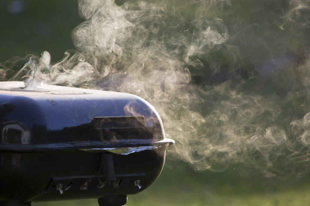 Smoking BBQ grill