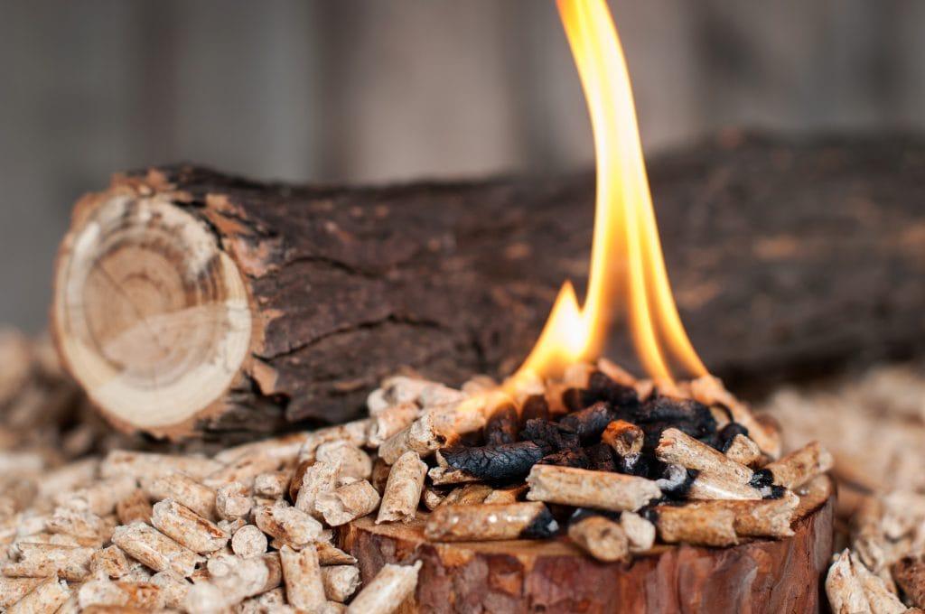 Wood smoking pellets